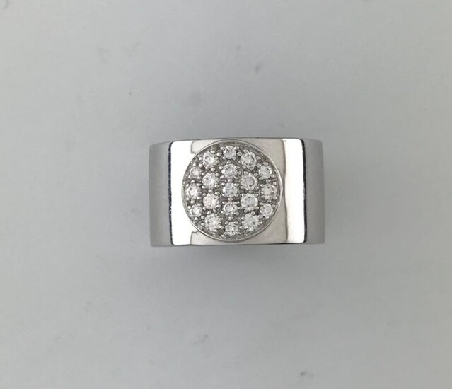 DINH VAN, rings ''Anthéa'' in white gold 750°/°°° centered on a diamond paved disc, Signed, TD 55, gross weight: 9,6g