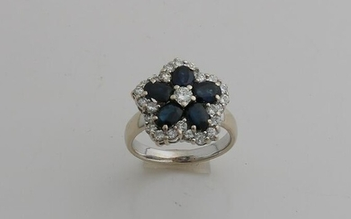 Elegant white gold ring, 750/000, with diamond and