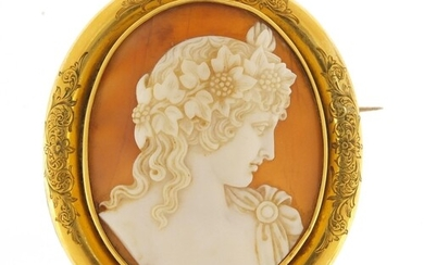 Good Victorian cameo brooch with unmarked gold mount engrave...