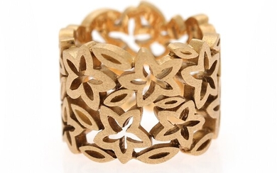 Ole Lynggaard: A wide anemone ring of 18k gold. Designed by Charlotte Lynggaard. Weight app. 14.5 g. Size app. 58.