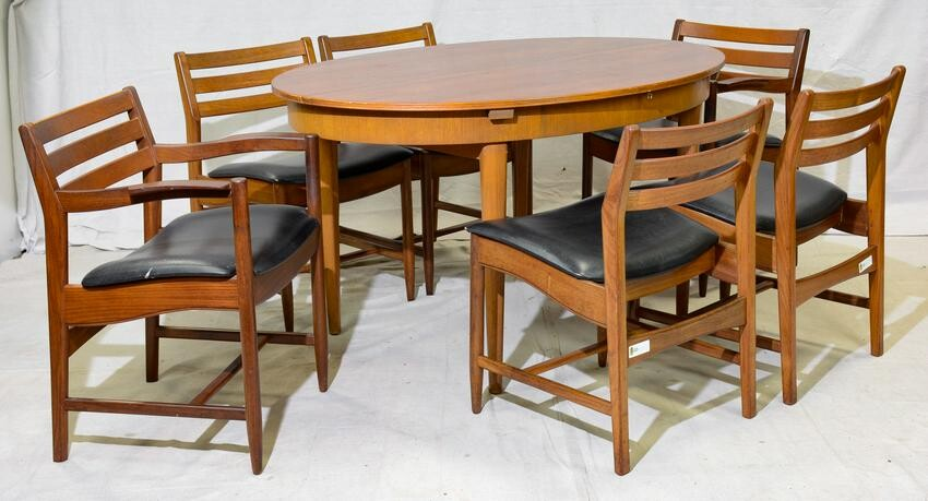 Oval Mid Century Modern Dining Table & 6 Chairs