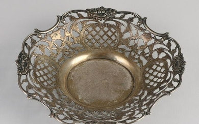 Silver bowl, 833/000, sawn round contoured model on a
