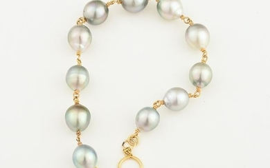 Tahitian Cultured Pearl, 14k Yellow Gold Bracelet.
