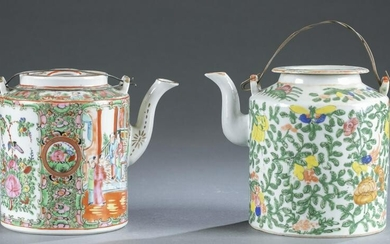 2 Chinese export porcelain teapots.