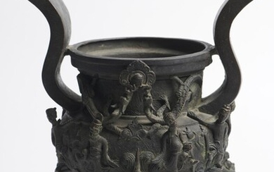 A LARGE CHINESE BRONZE CENSER QING DYNASTY (1644-1912) OR EARLIER