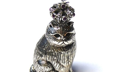 A STERLING SILVER NOVELTY MODEL OF A CAT WEARING A CROWN Hav...