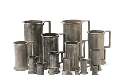 A collection of primarily English 19th-20th century pewter measuring cups. H. 4-23 cm. (2) –...