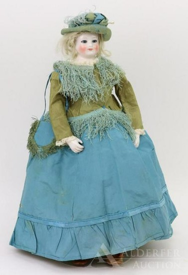 ANTIQUE FRENCH FASHION CHINA HEAD DOLL.