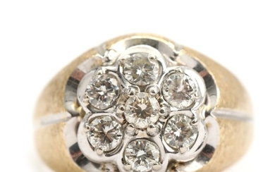 Diamond ring set with seven brilliant-cut diamonds totalling app. 1.05 ct., mounted in 14k gold and whitegold. Size 60. Weight app. 7 g.