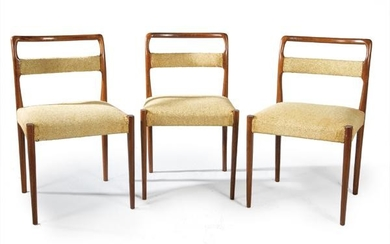 Lot of three chairs in elm wood with original 60's
