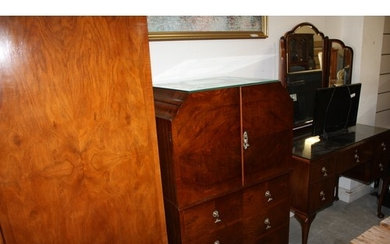 Mahogany Three-Piece Bedroom Suite - 1950s Comprising Twin W...