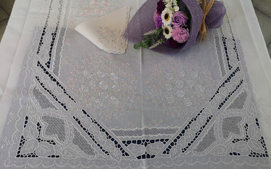 Museal tablecloth x12 in pure linen with Intaglio embroidery and Full Stitch in silk thread by hand - Linen - AFTER 2000