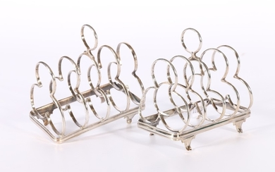 Pair of Edwardian Art Nouveau period silver five bar toast r...