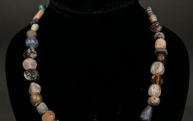 ROMAN BEADED NECKLACE