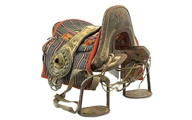Saddle - Gold, Leather, Silver, Wood, Shagreen - Tibet - 19th century