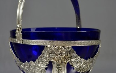 Silver basket and blue glass. Germany XIX century - .800 silver - Germany - Late 19th century