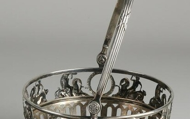Silver clew basket, 800/000, round with bars and a rim