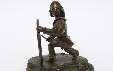 Statuette of a child playing with a hula hoop - Bronze (patinated) - Mid 19th century