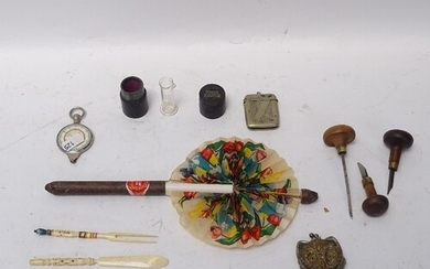 Various interesting collectables, including novelty cigar fa...