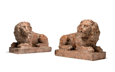 A PAIR OF ROSSO VERONA MARBLE RECUMBENT LIONS, ITALIAN, EARLY 20TH CENTURY