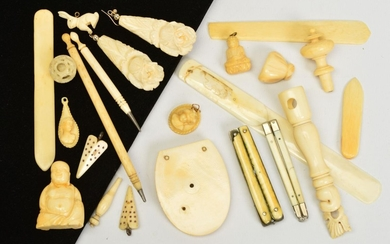 A SELECTION OF LATE 19TH TO EARLY 20TH CENTURY IVORY ITEMS A...