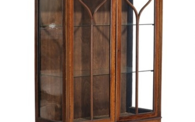 An Edwardian circa 1900 mahogany display cabinet, inlaid with intarsia, front with two vitrine doors. H. 171. W. 91. D. 37 cm.