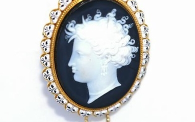 Fine antique cameo & natural pearl brooch.