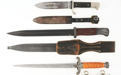 LOT OF 3: GERMAN WWII HEER DAGGER, BAYONET, AND HJ