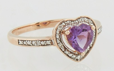 Lady's 14K Yellow Gold Dinner Ring, with a heart shaped
