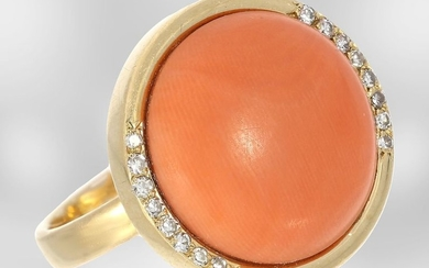 Ring: beautiful vintage gold ring with big coral...