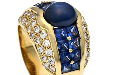 Sapphire-diamond ring GG 750/000 with an oval sapphire...