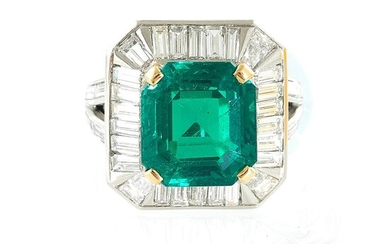 Van Cleef & Arpels platinum, emerald and diamond ring