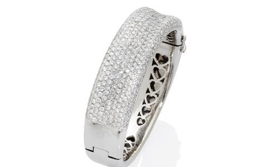 White Gold and Diamond Pavé Hinged Bangle