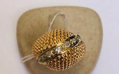 Yellow gold rush ring, pearl work, paved with a line...
