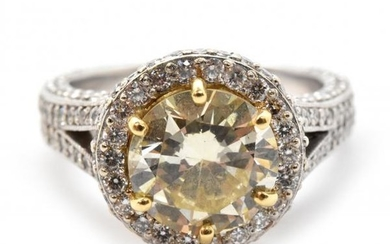 18k White And Yellow Gold Fancy Yellow 2.84ct Diamond