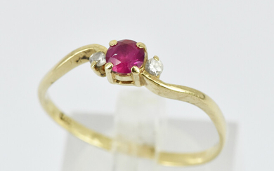 A 9ct YELLOW GOLD RING