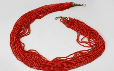 A GOOD CHINESE CORAL BEAD NECKLACE, 71cm long.