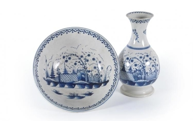 A Staffordshire pearlware chinoiserie guglet and bowl
