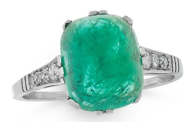 AN ART DECO EMERALD AND DIAMOND DRESS RING, EARLY 20TH