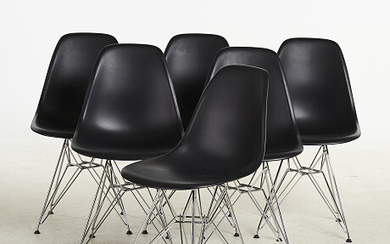 CHARLES & RAY EAMES THe chairs 2 pcs CHARLES & RAY EAMES DAr stolar 2 st