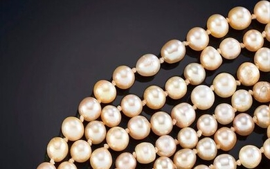 EXTRALARGO CULTURED PEARLS NECKLACE, with 18k yellow gold clasp Price: 200,00 Euros. (33.277 Ptas.)