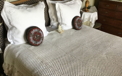 FRENCH VICTORIAN CROCHET BEDSPREAD - Cotton - Early 20th century