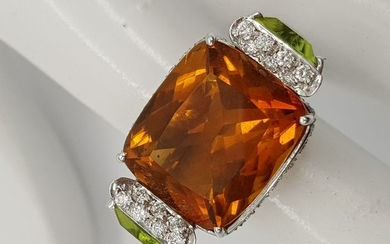 HRD Certificate - 18 kt. White gold - Ring - 11.00 ct Citrine - Diamonds, Peridots