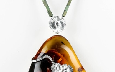 House of Amber. Necklace with sterling silver and milky amber pendant. 55.3 g.