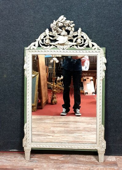 Large Louis XVI mirror with doves (h. 124cm) - Lacquered wood with double patina - Late 18th century