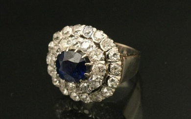 PLATINUM DIAMOND AND SAPPHIRE LADIES RING