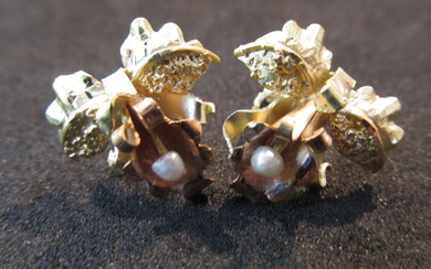 Pair of 18K Two Tone Earrings Flower shape with...