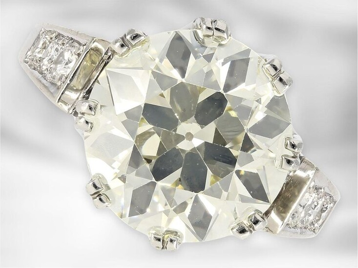 Ring: precious solitaire ring with unusually large old-cut...