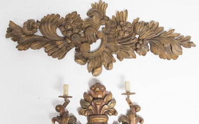 Two sconces in carved and gilt wood, early 20th Century.