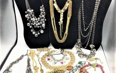 [14] Fourteen Assorted Costume Jewelry Necklaces